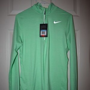 NEW NIKE Zip Up WITH TAGS. Light green, Size M